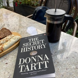 Book Review: The Secret History by Donna Tartt